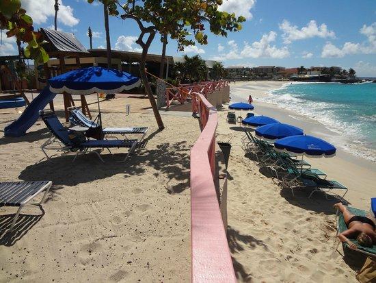 Royal Islander Club La Plage : View to the left