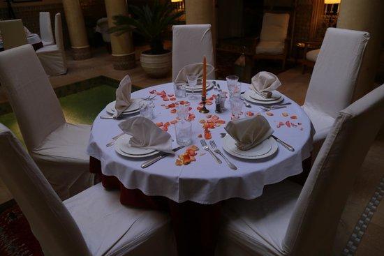 Riad Azoulay: La tavola per il pranzo