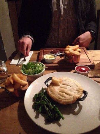 White Horse: Delicious mains !