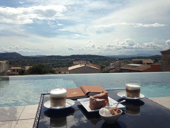 Petit Hotel Son Arnau: Blick vom Pool