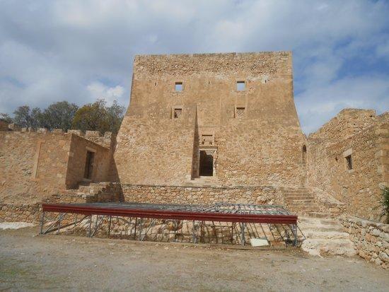 Kazarma Fortress