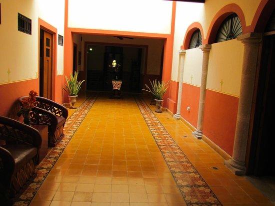 Luz En Yucatan: Beautiful Hallway