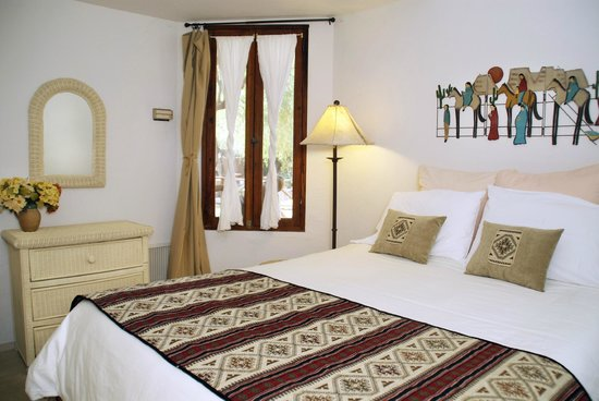 Tubac Country Inn: Suite 2 Queen Bedded Room