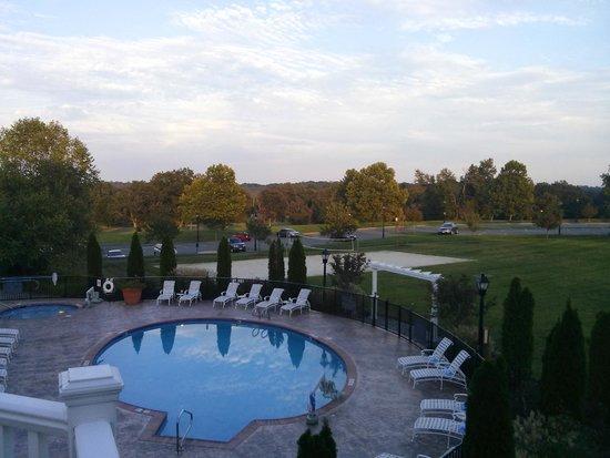 Wyndham Virginia Crossings Hotel & Conference Center: pool at the Virginia Crossing Hotel