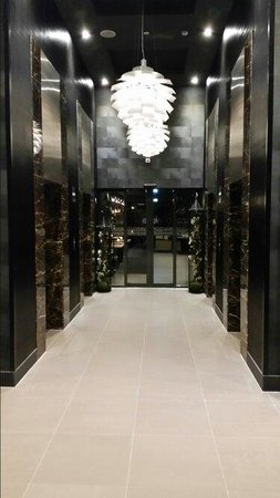 Lift area leading to dining area