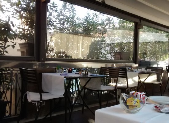 Hotel Del Corso : Breakfast saloon on the roof