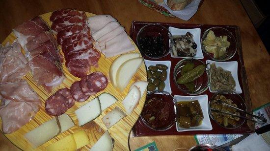Enoteca salumeria La Piazzetta
