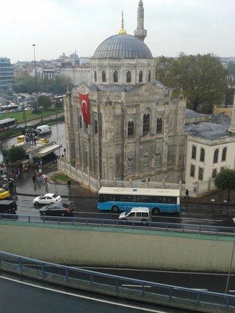 Grand Durmaz Hotel : vista moschea dalla stanza