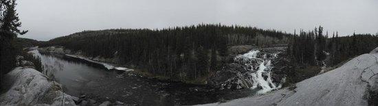 Cameron River Falls Trail: panoramic view