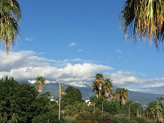 Hotel Orizzonte - Acireale: Mount Etna from the pool side