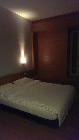 Generation YMCA Hostel: Camera doppia, silenziosa e confortevole.