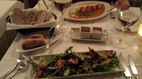 Adega Machado : entradas : salada com amendoas e camarão
