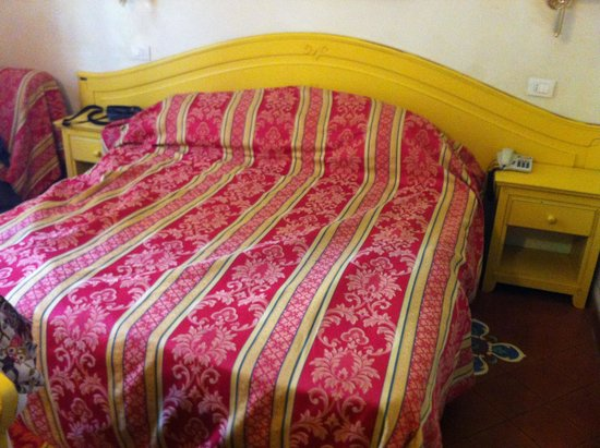 Hotel Duca D'Aosta: Letto Matrimonale