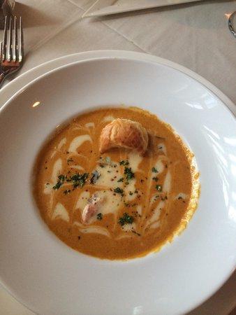 Restaurant Bouchard: Excellent Lobster Bisque Soup!
