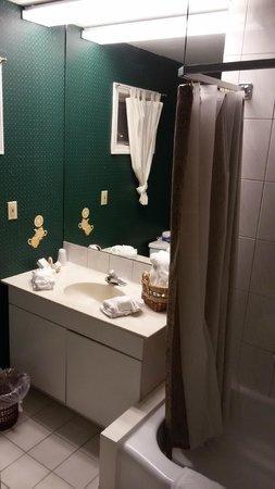 Weathervane Motel: Banheiro