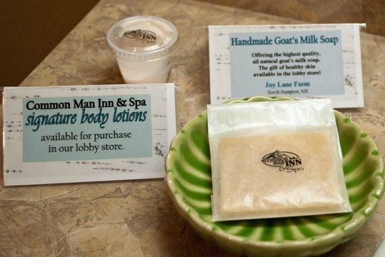 Common Man Inn & Spa: Locally-made soap and lotion in bathroom