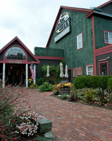 common man inn spa Common man inn & spa: find 99 family reviews, candid photos and detailed information for the common man inn & spa read useful tips from other families.