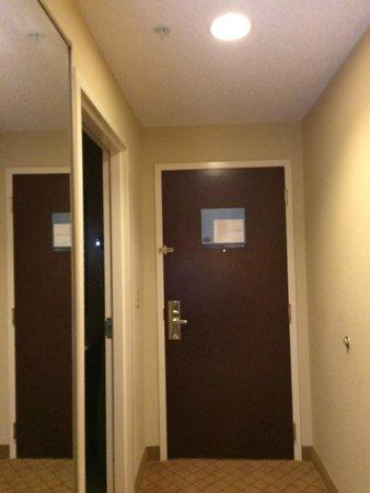 Hampton Inn & Suites Wellington: Entrada de la habitación