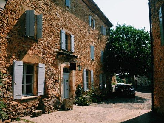 Les Sardines aux Yeux Bleus : Exterior of Les Sardines