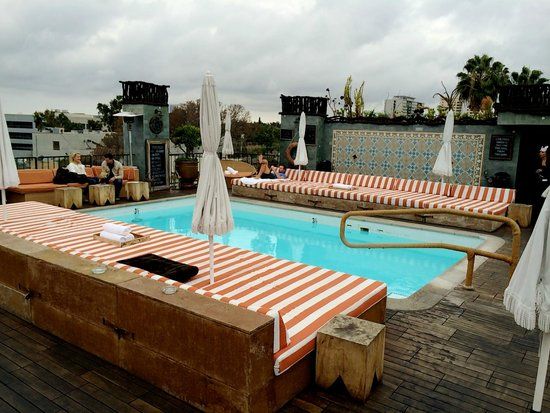 Petit Ermitage: Roof top pool