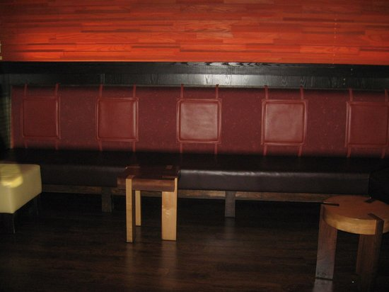 waiting area picture of outback steakhouse murfreesboro tripadvisor picture of outback steakhouse