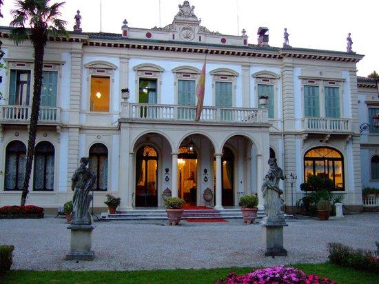Villa Ducale Hotel e Restaurant : ホテルの外観