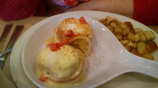 Egg and I: Eggs Benedict Crabmeat