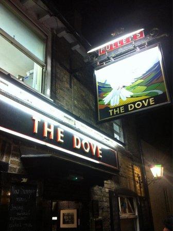 The Dove at Hammersmith: Entrada do bar