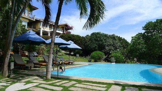 Amarela Resort: Poolside