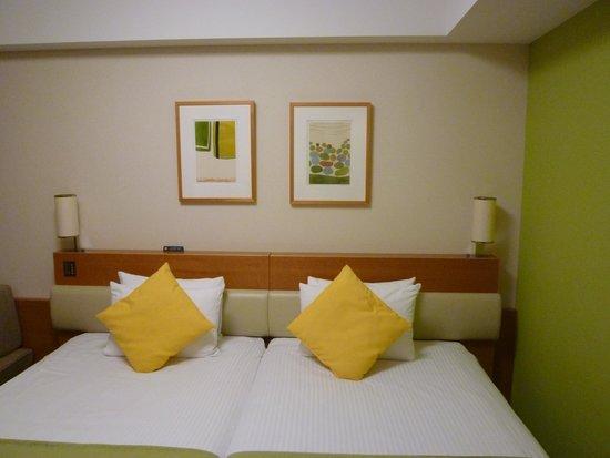 Tokyo Bay Maihama Hotel: ベッドがくっついてるので広々です