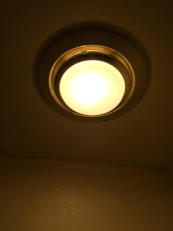 Hiawatha, แคนซัส: Dirty Light