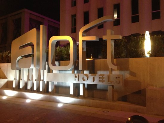 Aloft Orlando Downtown : Front of the hotel