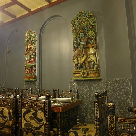 Khansama Tandoori Restaurant : Some interesting decoration