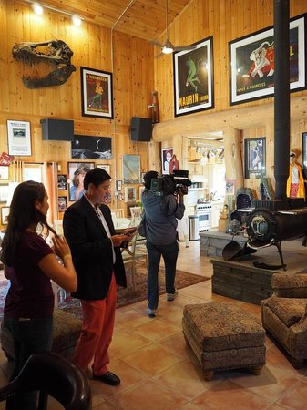 "Private Hotel + Pure Food Villa: Dominic Chu and crew of CNBC preparing to shoot ""Million Dollar Homes"" segment in September 2"