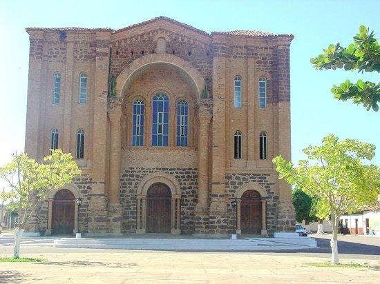 Porto Nacional, TO: Catedral Nossa Senhora das Mercês - Foto: Irenides Teixeira