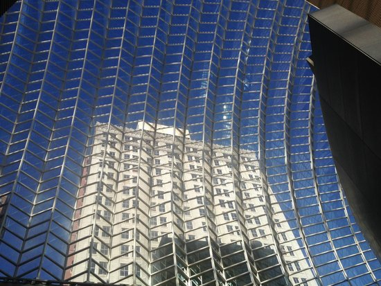 Kimmel Center for the Performing Arts: Impressive ceillling