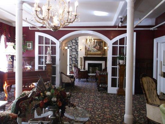 Queen Anne Hotel: ロビー
