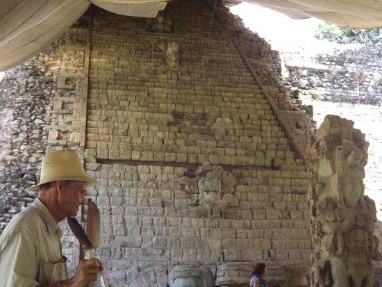 Sculpture Museum: Copan Ruins.