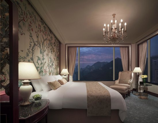 Island Shangri-La Hong Kong: Executive Suite Bedroom