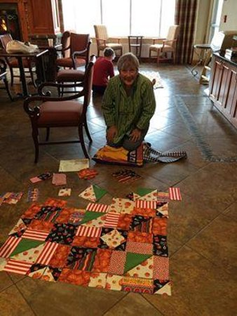 Holiday Inn Express Hotel & Suites Fairbanks: Designing a quilt in Holiday Inn breakfast room