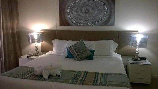 Monaco: Bedroom