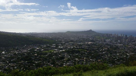 Tantalus Lookout Puu Ualakaa State Park: Diamond Head in the distance
