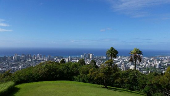 Tantalus Lookout Puu Ualakaa State Park: View of the City from Way up High