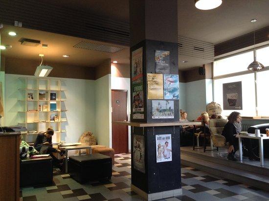 Coffee Inn : мало посадочных мест