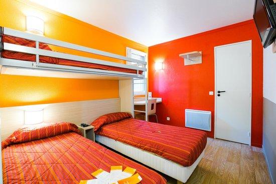 Chambres 3 lits separes photo de premiere classe angers for Prix chambre hotel formule 1
