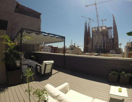Sensation Sagrada Familia: Terrace Lounge with view on Sagrada Familia