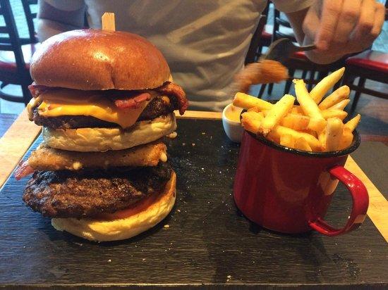 Cribbs Causeway, UK: Warrior burger