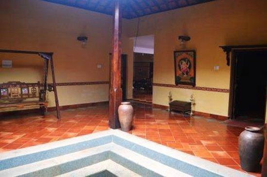 AjjanaMane Homestay: Central Courtyard