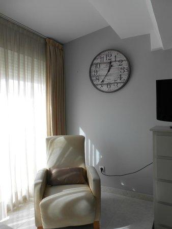 Alexandra Aparthotel: sala de estar