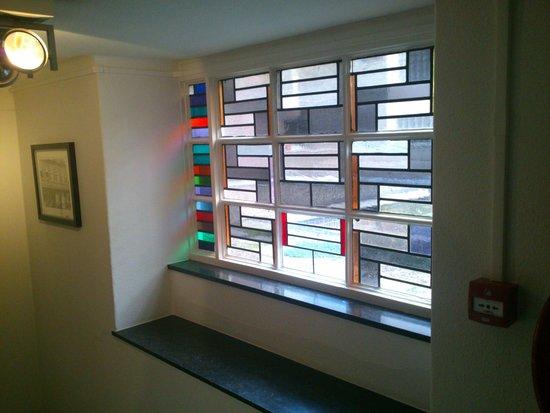 Tulip Inn Heerlen City Centre: Window in stairway